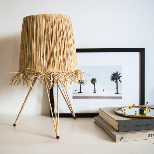 LAMPE DE TABLE TREPIED RAPHIA