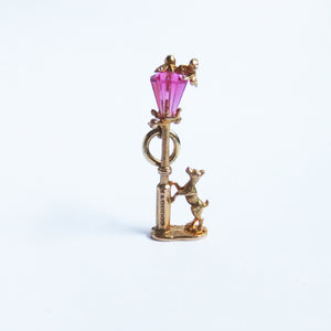 Nuvo 9ct Gold Crystal Lamppost with Dog and Cat Charm
