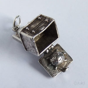 Vintage Nuvo dressing table charm pendant opens to tortoise