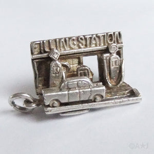 Vintage moving mechanical car fuel petrol filling station charm