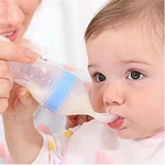 Baby training silicone feeding bottle, squeeze spoon, children's complementary food bottle