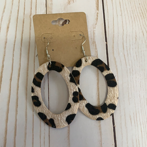 Sale earrings light cheetah print