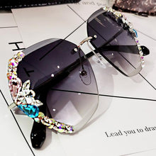 Load image into Gallery viewer, 2020 Vintage Fashion Rimless Crystal Sunglasses