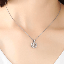 Load image into Gallery viewer, Heart Necklace Set With Rose