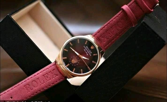 Maroon Leather Strap Round Analog Watch For women - Paksa Pk