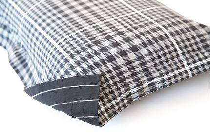 SPARK (BLACK) - DUVET COVER