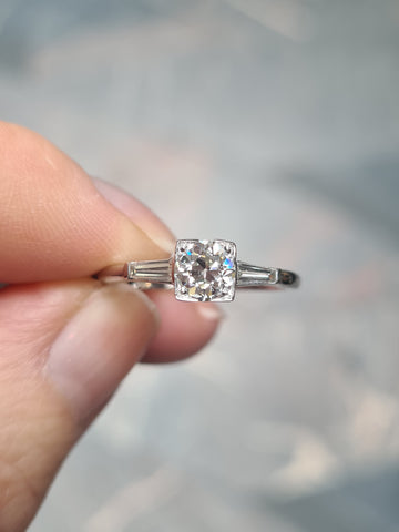 Box set diamond ring