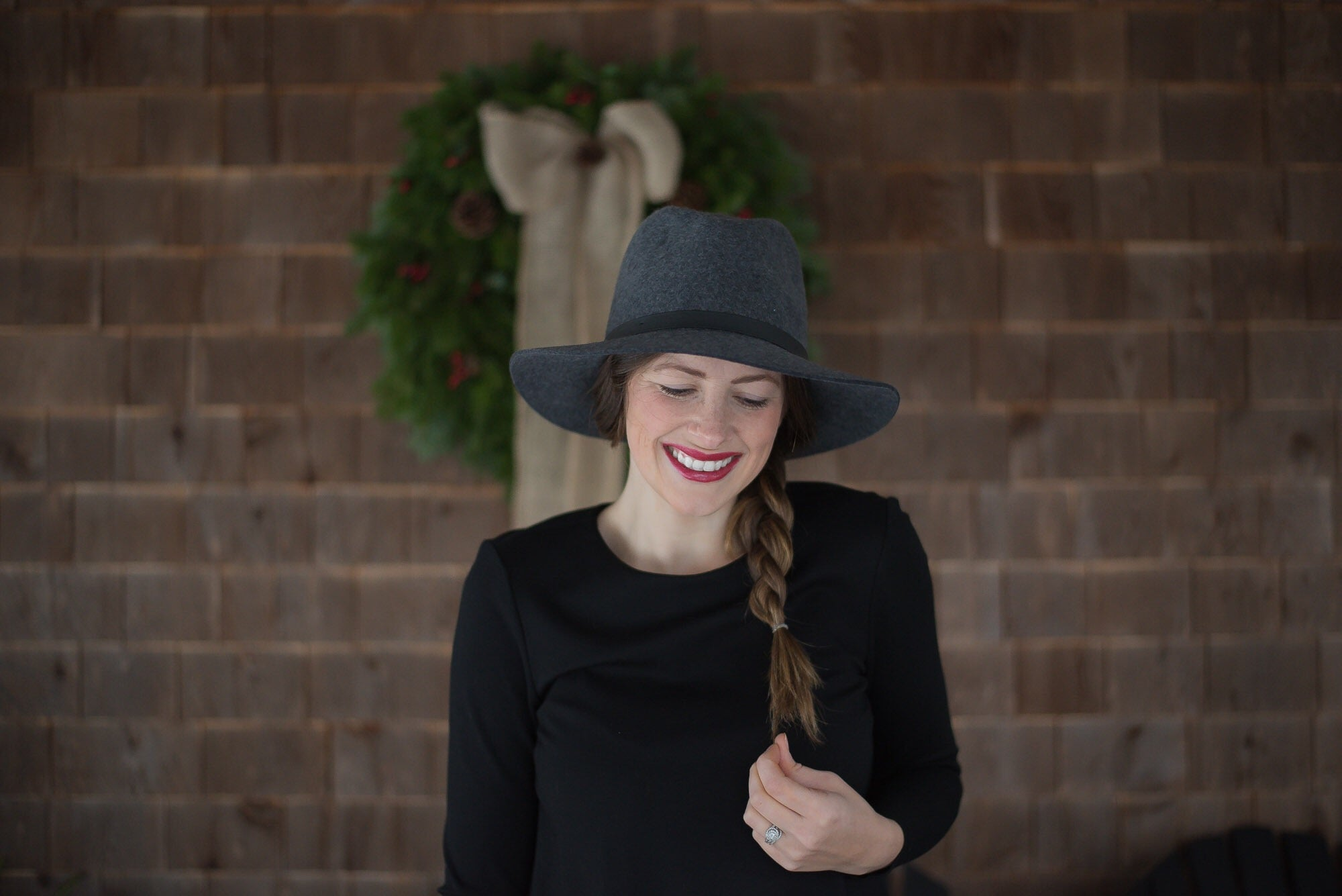 522905ccfa3 How-to Style a Hat with Long Brown Hair – GIGI PIP