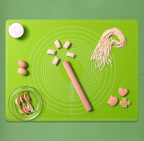 Easy Clean Silicone Pastry Mat handy marks around the edge