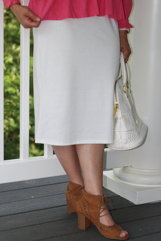 "Essential Skirt in White - 27"" (S-L)"