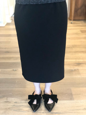 Essential Skirt in Black - 27""