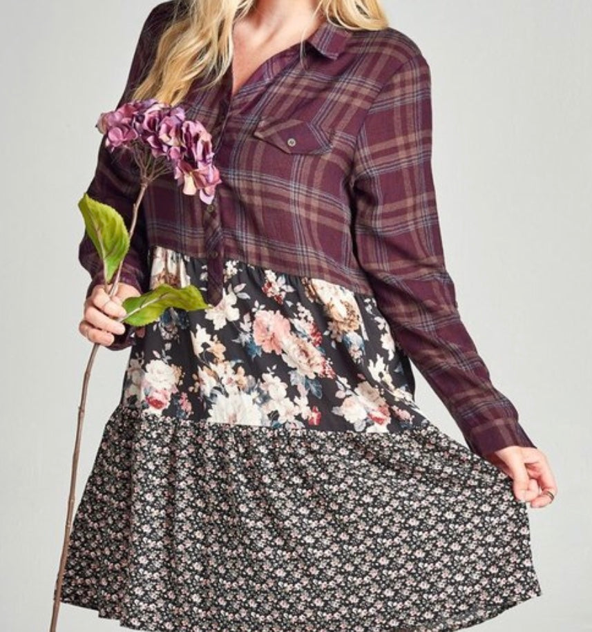 Floral & Plaid Top in Burgundy (S-3X)