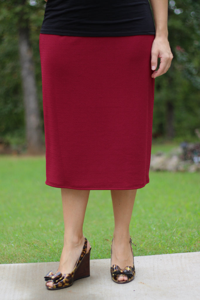 "Essential Skirt in Burgundy - 27"" (S-L)"
