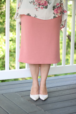 "Essential Skirt in Dusty Pink - 27"" (S-L)"