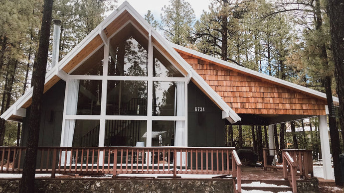 Cozy Cabin Might be the Best Airbnb Arizona Has to Offer!