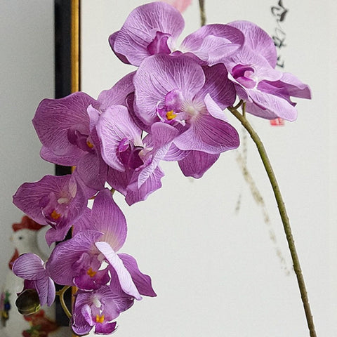orchidée violette artificielle