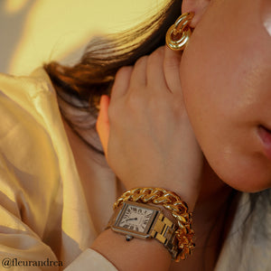 Influecner Andrea Cheong @fleurandrea styles the gold Anisa Sojka Chain Link bracelet and Interlocking Hoop Earrings