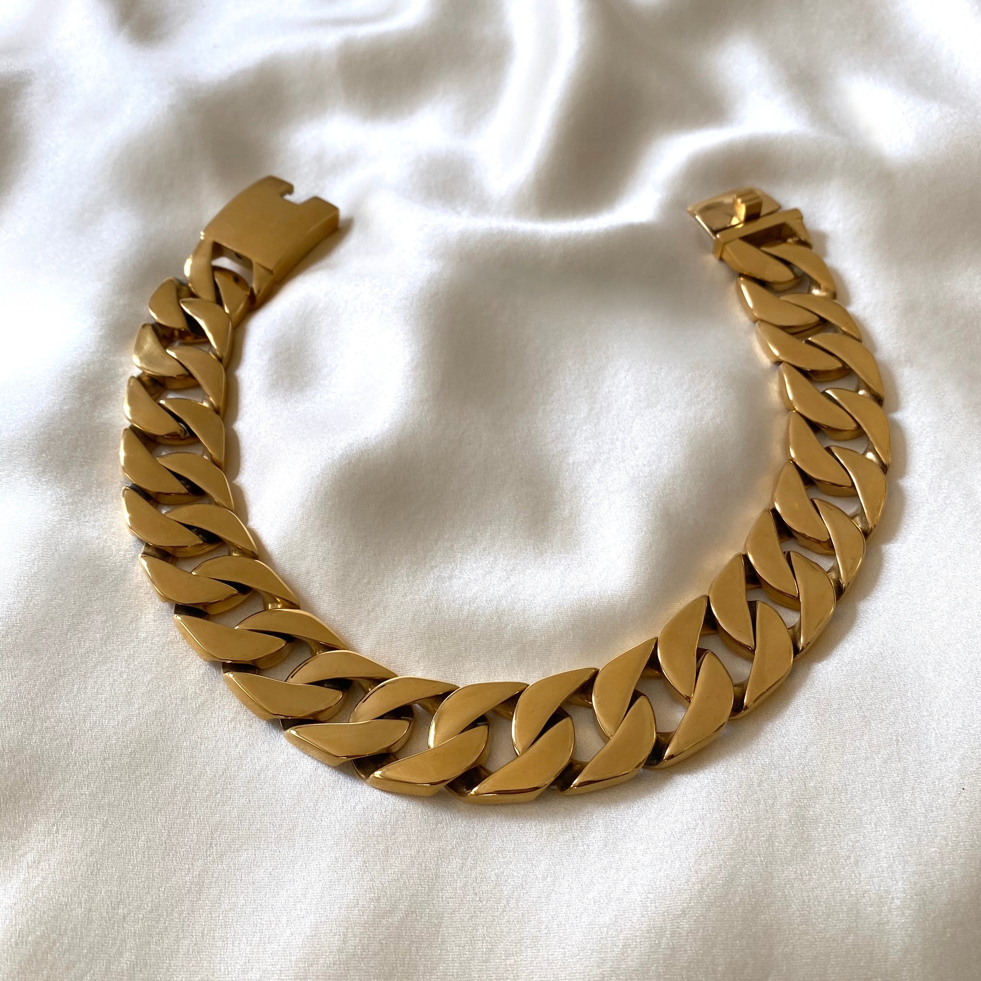 Anisa Sojka Gold Thick Chunky Chain Necklace