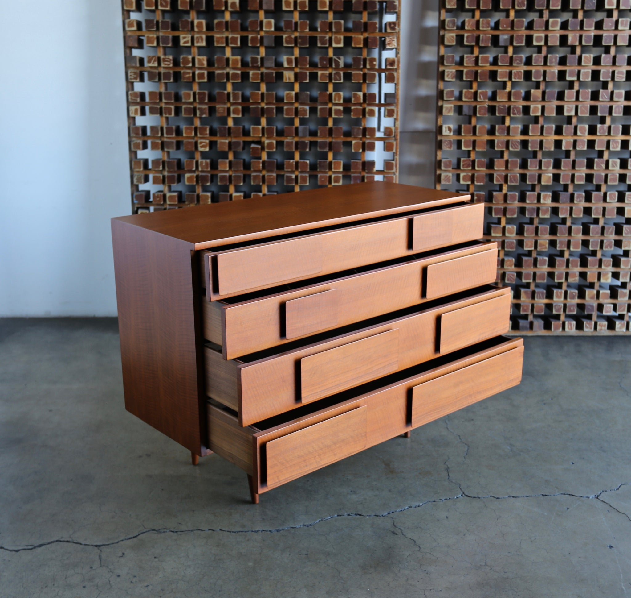 = SOLD = Gio Ponti Chest for Singer & Sons , Model 2129 circa 1955