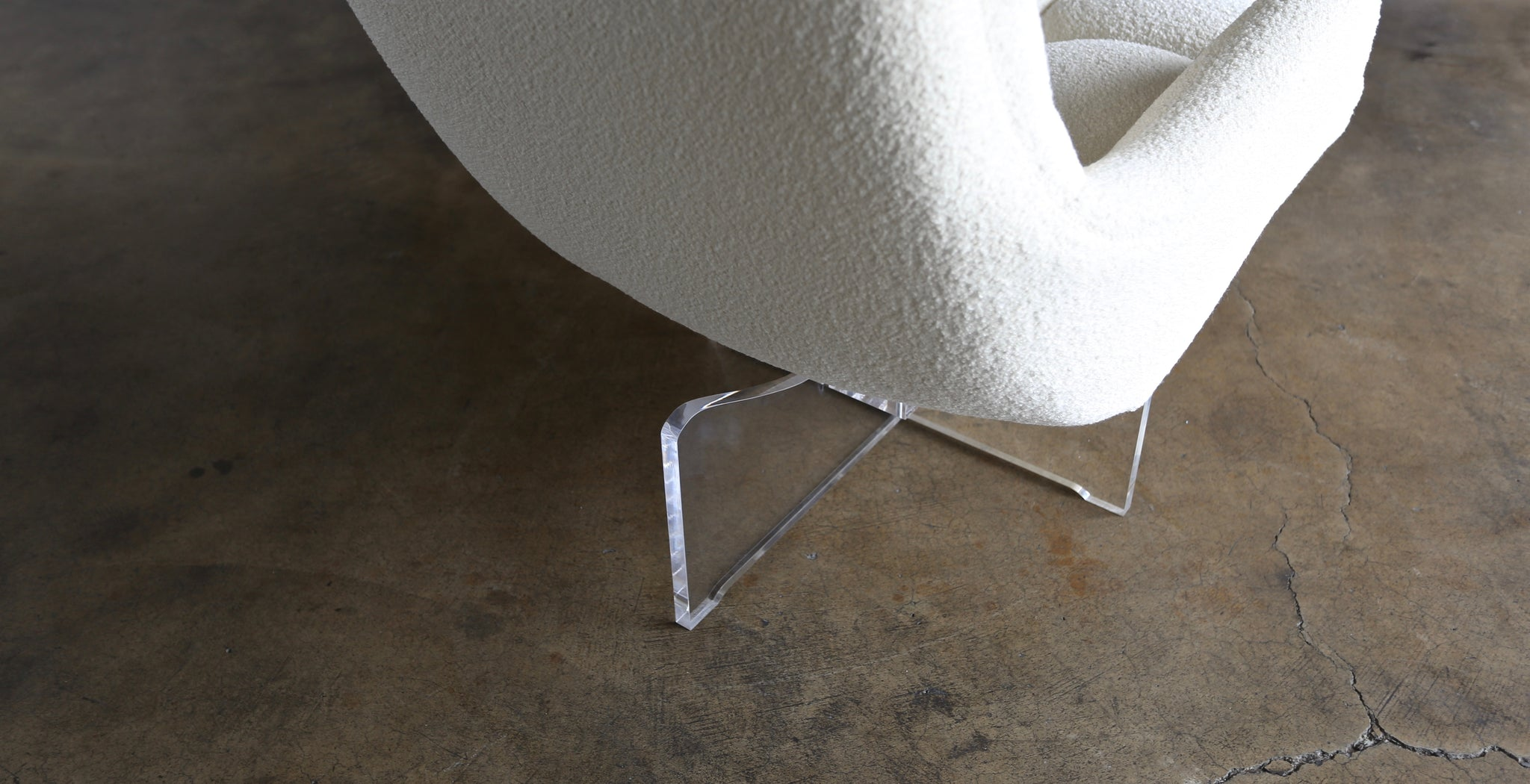 Vladimir Kagan Lucite and Bouclé Swivel Lounge Chair, circa 1970