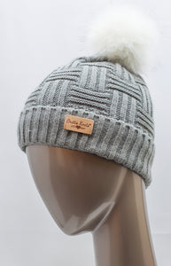 PLUSH-LINED KNITTED HAT WITH POM POM ASSORTED COLORS