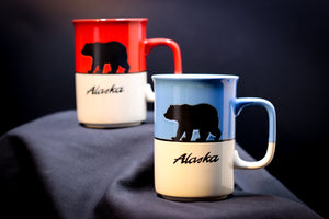 ALASKA GRIZZLY BEAR TWO-TONED 14 OZ MUG
