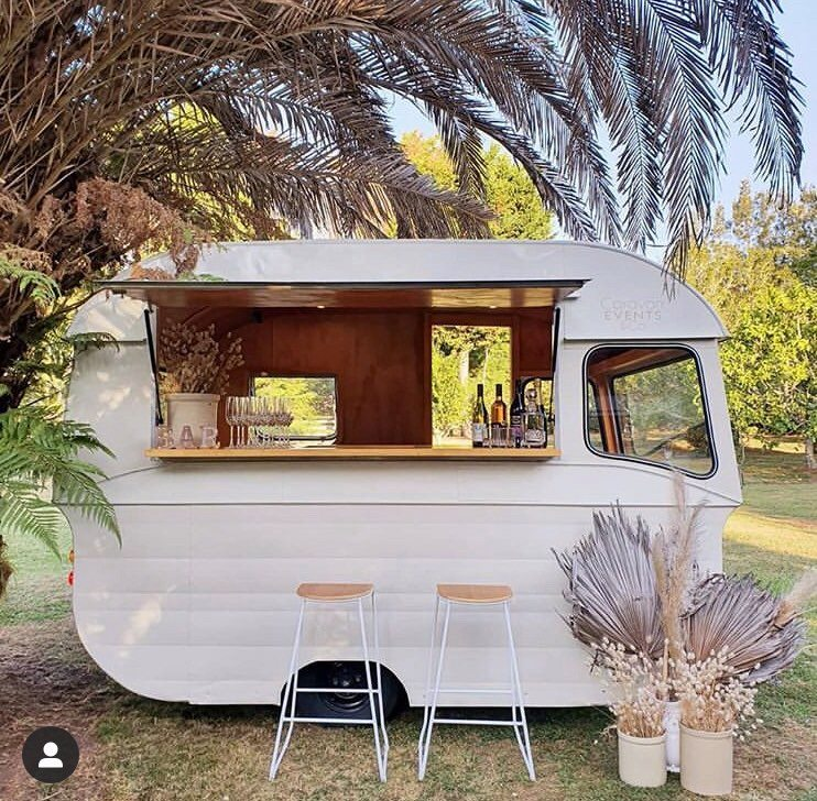 Caravan Bar - Full Hire With Staff
