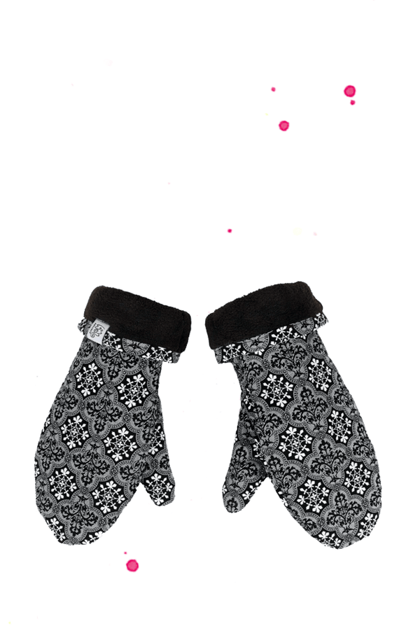 Ladies fist gloves with snowflakes pattern