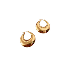 Load image into Gallery viewer, thick gold huggie hoop earring 30mm