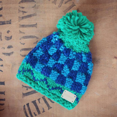 Berretto con pom pom blu e verde |  | RocketBaby.it