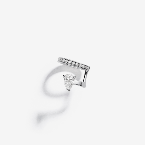 Serti sur Vide earcuff in white gold