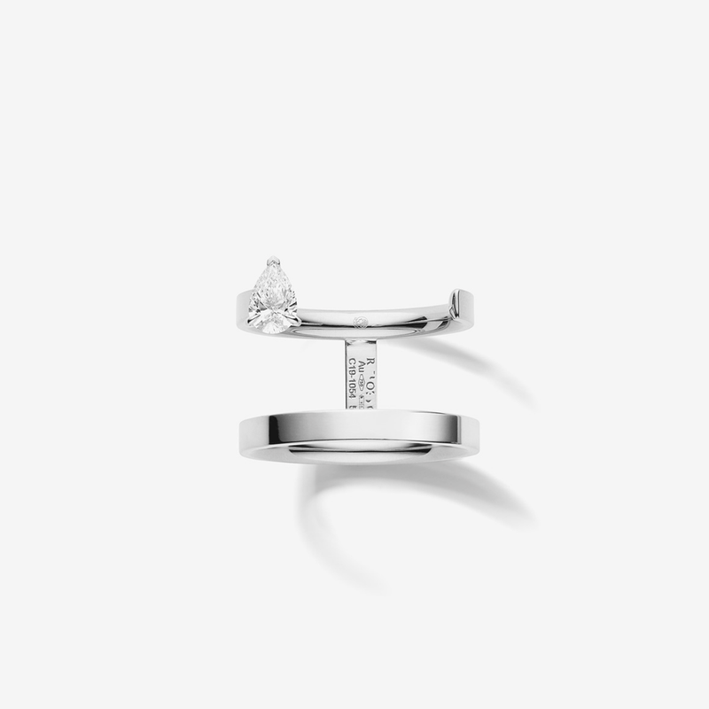 Serti sur Vide ring in white gold
