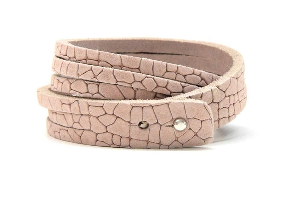 Nude rose embossed bracelet