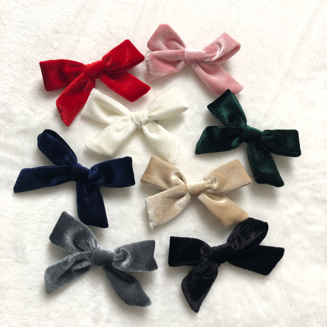 Velvet Bow Hairclip