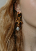 Load image into Gallery viewer, Eros Hoop Earring