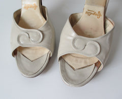 • Vintage 60's Off White Cream Twist Vamp Springolator Heels Shoes 8 - Bombshell Bettys Vintage