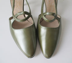 Vintage 60's Pearl Green Leather Slingback Heels Shoes 8.5 - Bombshell Bettys Vintage