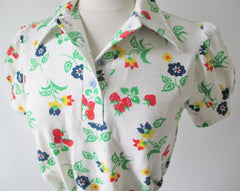 • Vintage 70's  Puff Sleeve Strawberry Blouse Top S - Bombshell Bettys Vintage