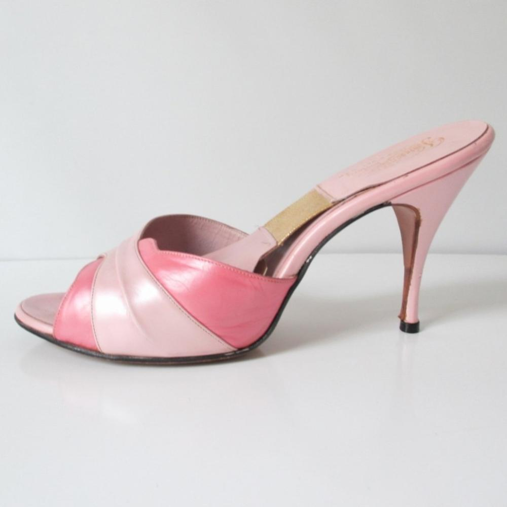 • Vintage 50's 60's Two Tone Pearl Pink Springolator Heels Shoes 7.5 W / 8 - Bombshell Bettys Vintage