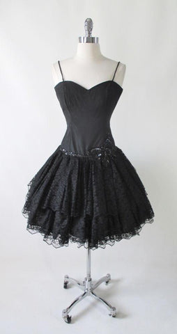 Vintage 80's Sweetheart Black Lace & Sequins Full Skirt Party Dress