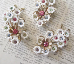 Vintage 50's 60's Emmons Thermoplastic Celluloid White Flower Pastel Rhinestone Brooch Earrings Set - Bombshell Bettys Vintage