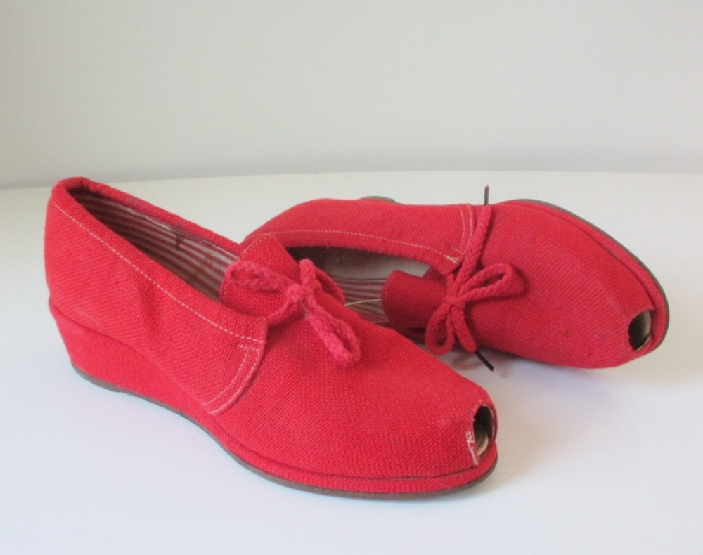 Vintage 40's Red Canvas Peep Toe Wedge Heels Casual Shoes 8 - Bombshell Bettys Vintage
