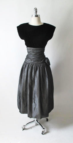 Vintage 80's Black Velvet Silver Taffeta Rosette Party Dress M