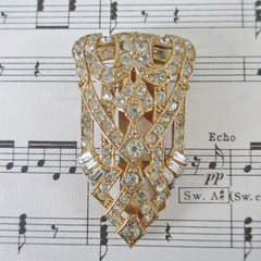 vintage 1930's 1940's vdeco rhinestone dress clip close up