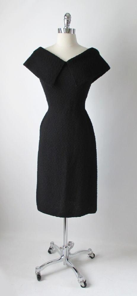 • Vintage 50's Black Kimberly Knits Big Collar Fitted Knit Wiggle Sweater Dress M