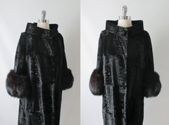Vintage Black Velvet Fox Fur Evening Swing Coat bodice
