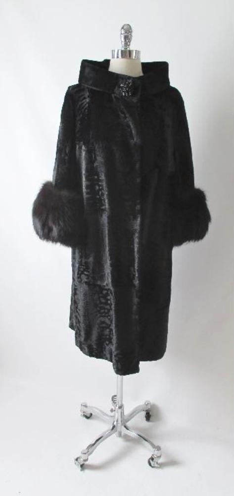 Vintage Black Velvet Fox Fur Evening Swing Coat gallery