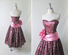 vintage 80's metallic pink black bow lace full skirt 50's style tea party strapless dress bombshell bettys vintage back