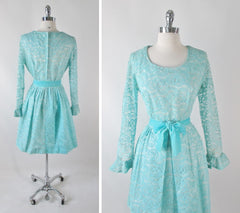 vintage 60's tiffany blue circle lace formal full skirt fit flare party dress large bombshell bettys vintage bodice