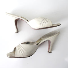 Vintage 50s White Springolator Heels Shoes 8.5